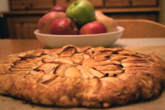 Apple Crostata with Cheddar Crust recipe - from the The Lick Family ...