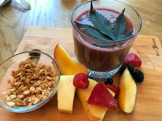 Zoey's CBD Berry Fruits And Oats Smoothie image