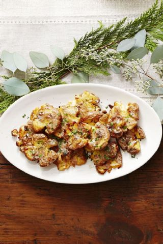 Crispy Golden Smashed Potatoes image