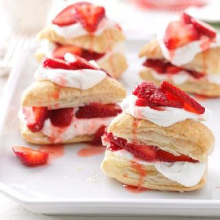 Strawberry Shortcake Puffs (Puff Pastry) image