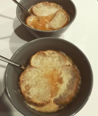 Vegetarian French Onion Soup image