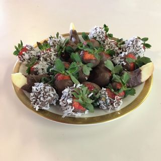 Chocolate Dipped Strawberries image