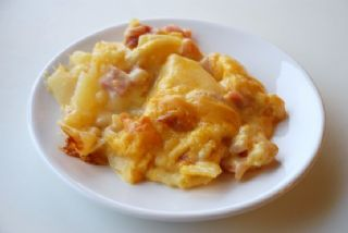Creamy Scalloped Potatoes with Ham image