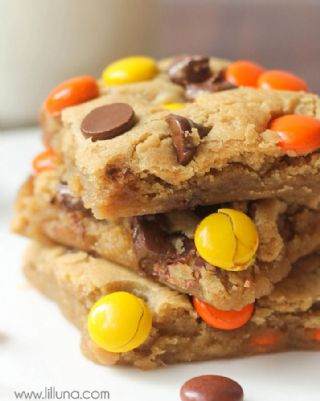 Reese's Pieces Blondies image