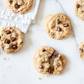 NESTLE TOLL HOUSE CHOC. CHIP COOKIES image